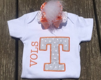 10% OFF!!!! TN VOLS baby bodysuit with matching hairpiece!