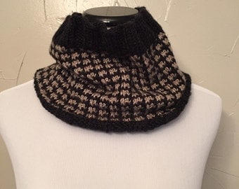 SALE Black/tan cowl
