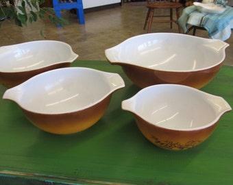 Vintage Old Orchard Caramel PYREX Nesting Bowls Set 4