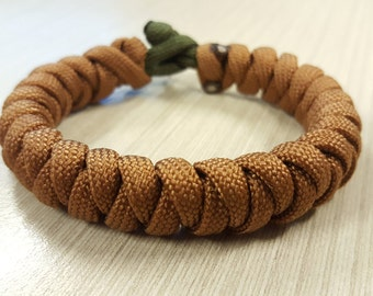 Corkscrew Weave Paracord Bracelet with Knot and Loop by ParacordAUS - EDC - Bracelet