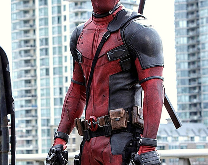 "Ryan Reynolds in the 2016 Film ""Deadpool"" - 5X7, 8X10 or 11X14 Publicity Photo (AZ194)"
