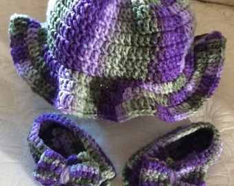 Summer sun hat with sandals