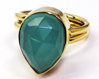 Chalcedony ring / chalcedony ring