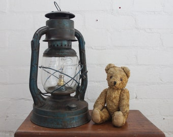 handcrafted & re-purposed | kerosene/hurricane lamp