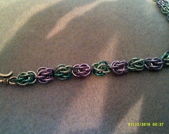sweet pea chainmaille necklace