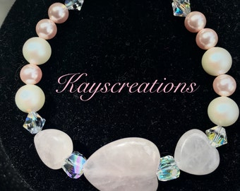 Rose quartz hearts and Swarovski pearls bracelet