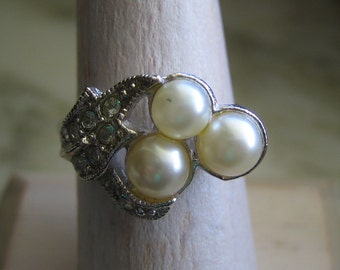 Vintage Avon Silver Tone Imitation Pearl Cubic Zirconia Ring