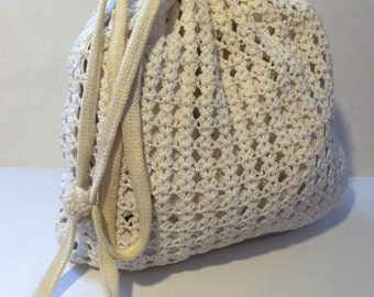 Vintage crocheted ditty sak