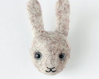 Wool brooch hare
