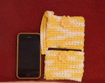 Crocheted Wristlet Cell Phone Case w/Credit Card Pocket