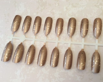 Hand painted Golden full cover oval false nails