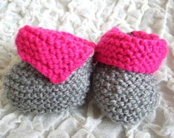 Hand knitted Baby Girl Grey Gray & Pink Bootees, crib shoes, winter bootees, warm winter bootees, to fit approx 3-6 months, Baby Shower Gift