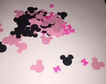 Minnie mouse table confetti with bows