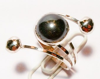 Handmade sterling silver ring with a hametite stone size 7