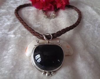 Obsidian eye of whale with lace of leather and Silver 925