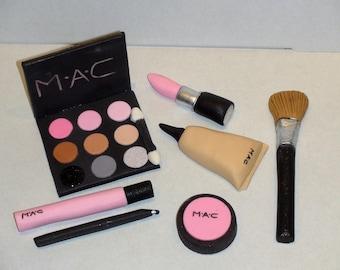 MAC Makeup Cake Topper Set