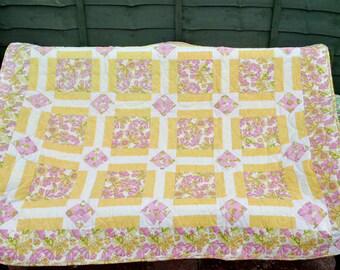 Lap quilt or throw