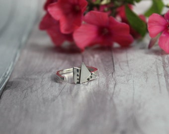 Silver geometric triangle ring with square shank