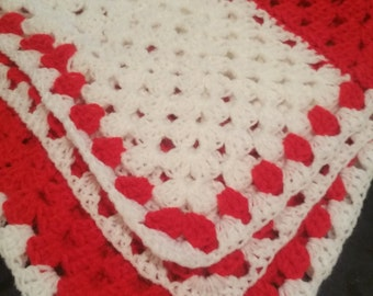 red and white granny square  blanket W26 L26 free delivery