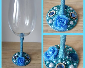 beautiful rose glitter wine glass