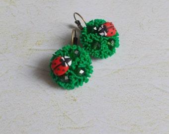 ladybug earrings, green earrings, beetle earrings, gift for her, bridesmaids earrings, rustic bridal jewellery, ladybug jewellery, studs