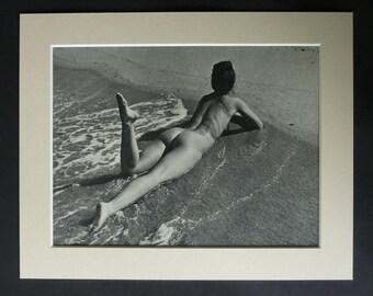 1950s Vintage Andre de Dienes Erotic Photography Print Retro erotica decor, beautiful nude woman art, Artistic Erotica Gift, Sexy Beach Art