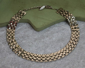 Vintage drop choker necklace
