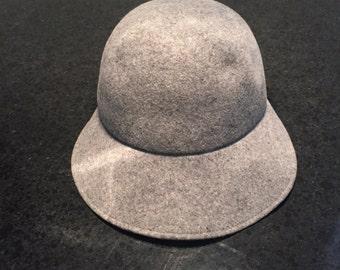 Vintage felt cloche hat