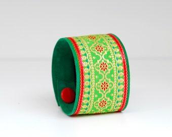 Great bracelet, leather, green/light green/red, handmade