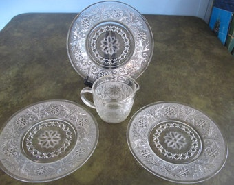 "Creamer and 3 Saucer Plates in ""Sandwich-Clear"" by Anchor Hocking"