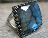 Ekho ring ... cast sterling silver / gallery bezel / blue fire labradorite / adjustable ring size