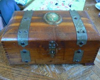 Antique McGraw Keepsake Mirrored Box with Dovetail corners