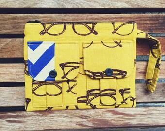 Glasses Wristlet, Wristlet Wallet, Wristlet Purse, Clutch Wristlet, iPhone Wristlet, Birthday Gifts, Zipper Pouch