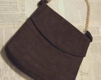 SaLe VINTAGE Brown suede Handbag with gold chain handle