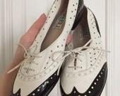 Vintage 80s spectator oxford wingtip shoes size 5.5