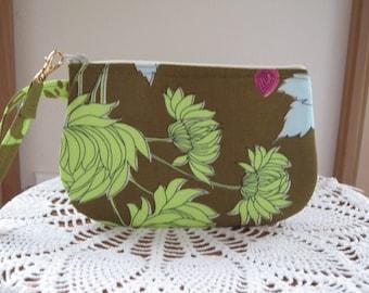 Clutch Wristlet Zipper Gadget Pouch Purse in  Chrysanthemum in Olive Made in USA