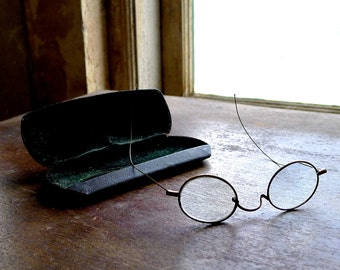 Antique Brass Frame Wire Spectacles