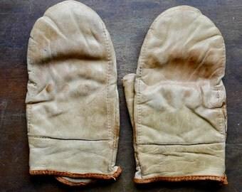 1930s USN Wilson Speed Bag Boxing Gloves
