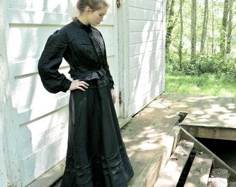 Victorian Black Bodice Size Small