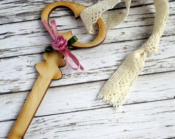 10 x Natural wood key & ribbon rose romantic rustic wedding favours/ornaments/hanging decorations