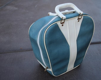 VINTAGE pale blue with white BOWLING BAG