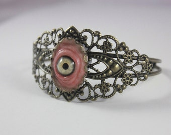 Small Light Green Eye Brass Filigree bracelet