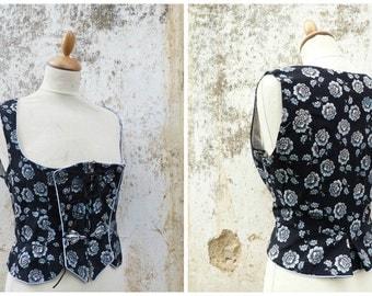Vintage 1970/70s Tyrol Trachten Dirndl corset bodice top blouse, black and soft blue floral printed cotton  size L