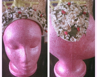 Vintage 1950s Hat strawberries floral white red Old Hollywood 1940s 40s 50s