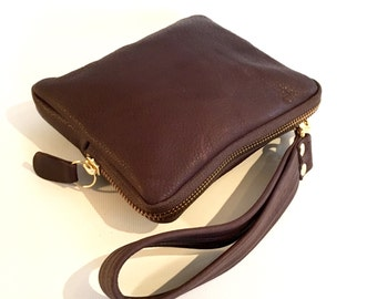 Leather wristlet wallet in brown