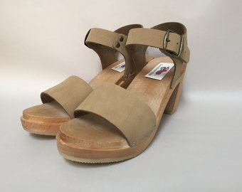 New Wide strap sandal w/ buckled ankle strap Super High heel