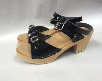 FINAL SALE clog -Black patent sandal with wrap around strap
