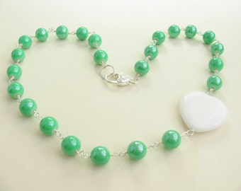 Green and white necklace. White heart necklace. Romantic necklace.