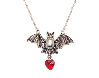 Bloodlust Bat Pendant, Pagan,Wicca,Occult,Necklace,Gothic,Goth,Halloween N4