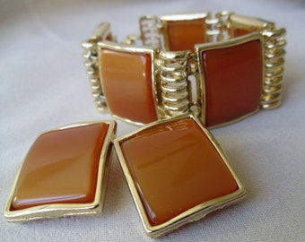 Vintage Caramel Moonglow Thermoset Bracelet & Clip on Earring Set, Tan Brown